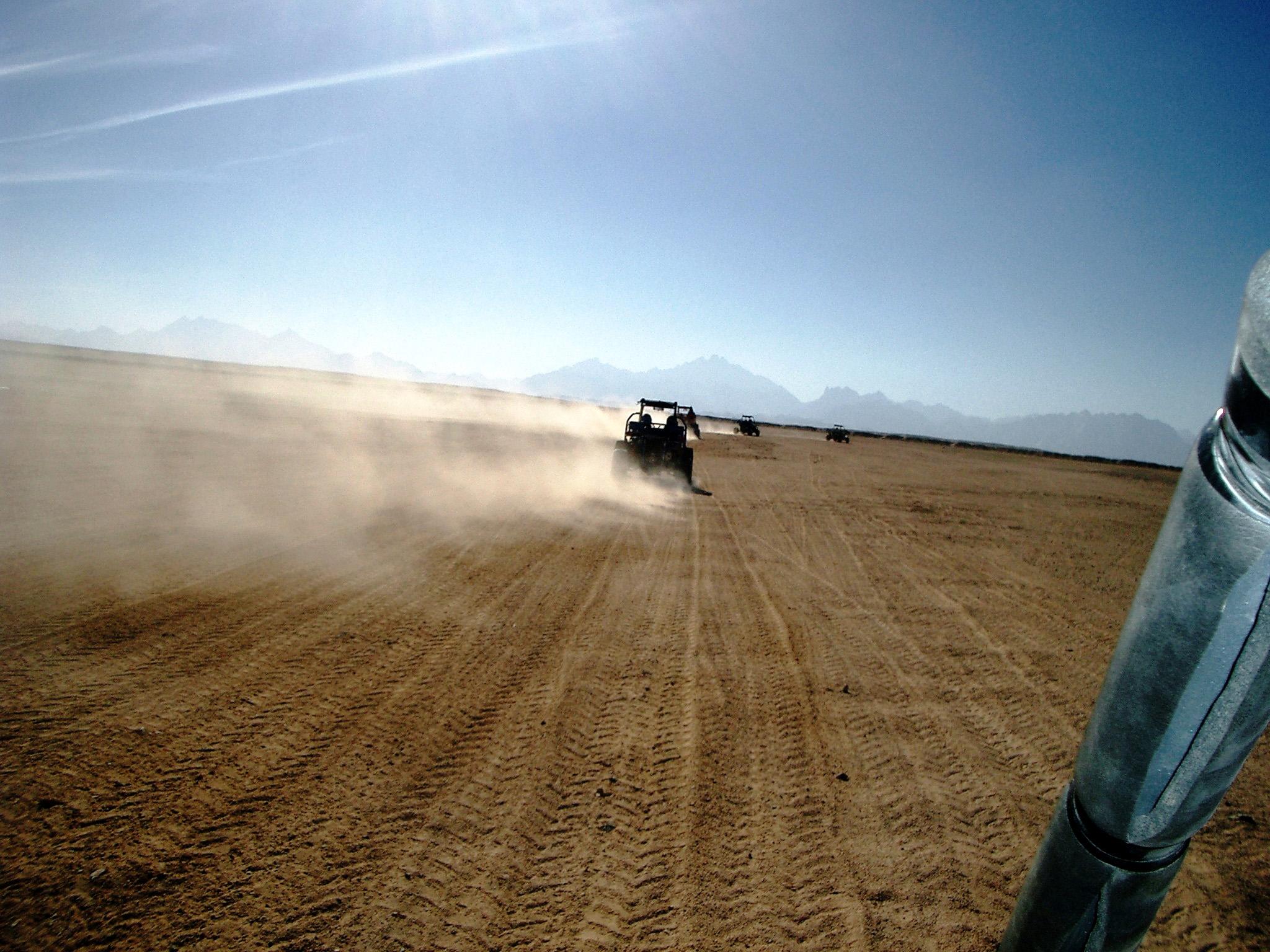 Wüste Caddy fahren